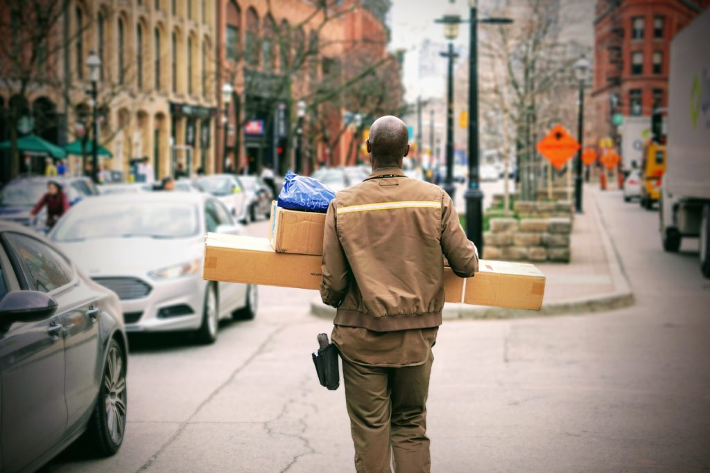A delayed delivery generates customer dissatisfaction and sometimes even a negative review, which can become a real problem.